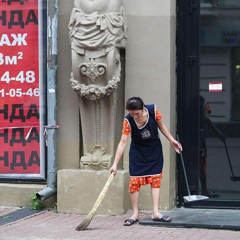 Уборщицу по внеквотному списку можно оформить как замдиректора по экономике Фото: Роман ИГНАТЬЕВ