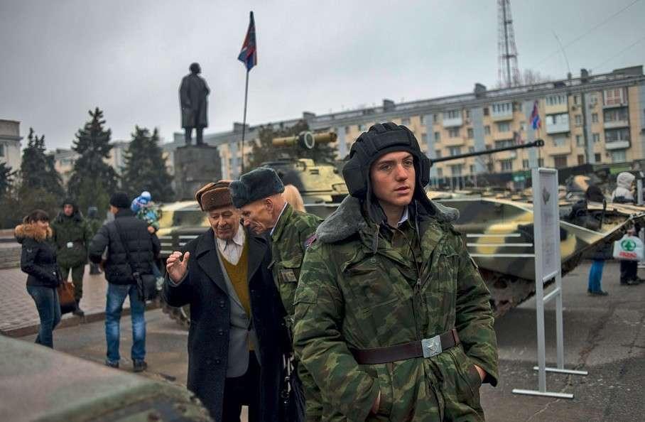 Легкость войны. Выносимая и не очень. Репортаж с выборов в Донбассе