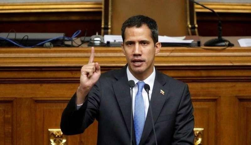 Сторонники Гуаидо заявили, что он остается спикером парламента