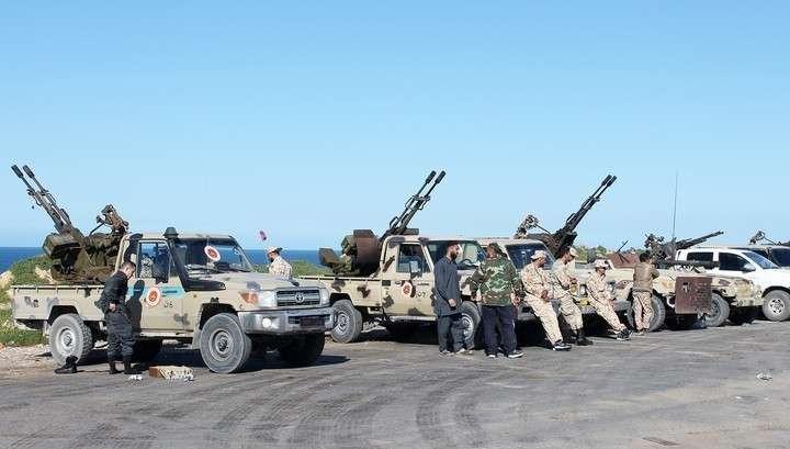 В Ливии армия Халифы Хафтара захватила военную базу и морской порт города Сирт
