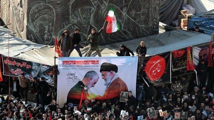 В Иране похороны Сулеймани отложили: 32 человека погибли, 190 покалечились, но не все попрощались