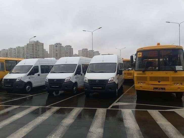 Школы и отделы молодежной политики Краснодарского края получили 150 новых автобусов