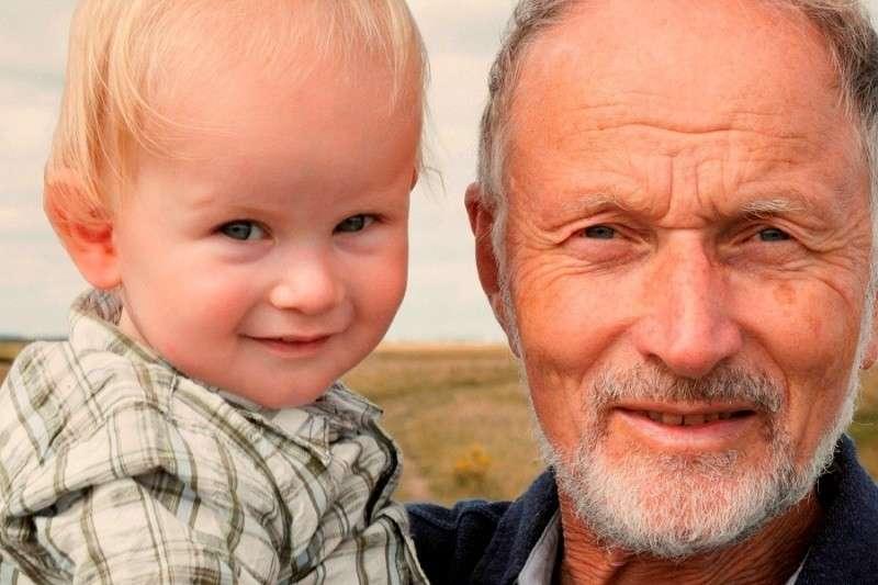 Демографического парадокс в России. Мужчинам опасна жара, а женщинам нет