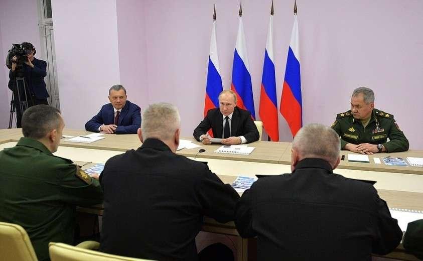 На совещании по вопросам перспективного развития Военно-Морского Флота.