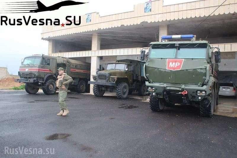 Армия России открыла ворота в Идлиб, боевики пытаются закрыть их огнём