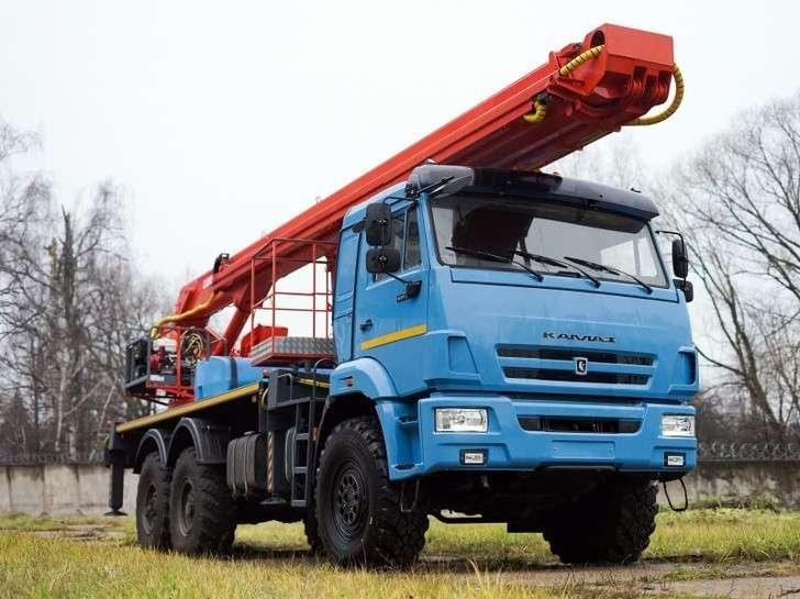 Российская компания изготовила новые автогидроподъемники на шасси КАМАЗ