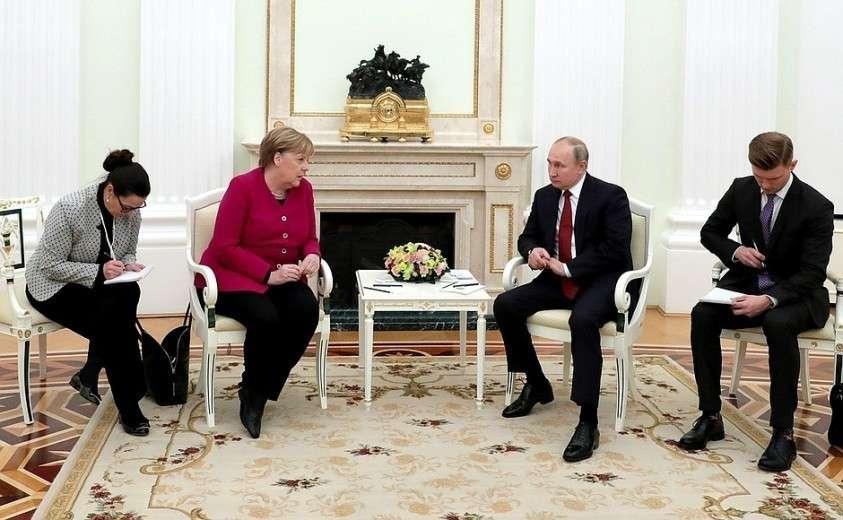 Встреча с Федеральным канцлером Германии Ангелой Меркель в узком составе.