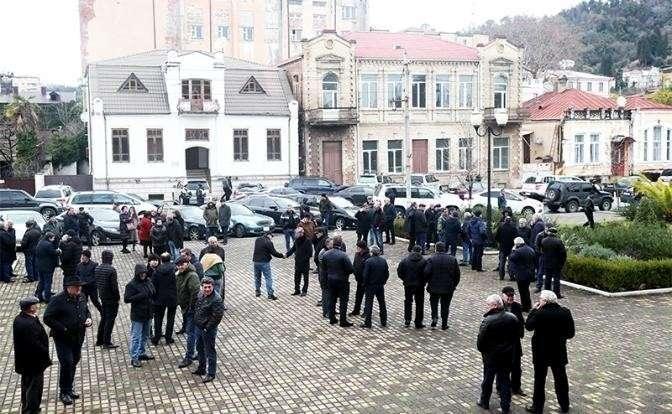 Москва вмешалась в переворот Абхазии: Хаджимбу отправили на пенсию