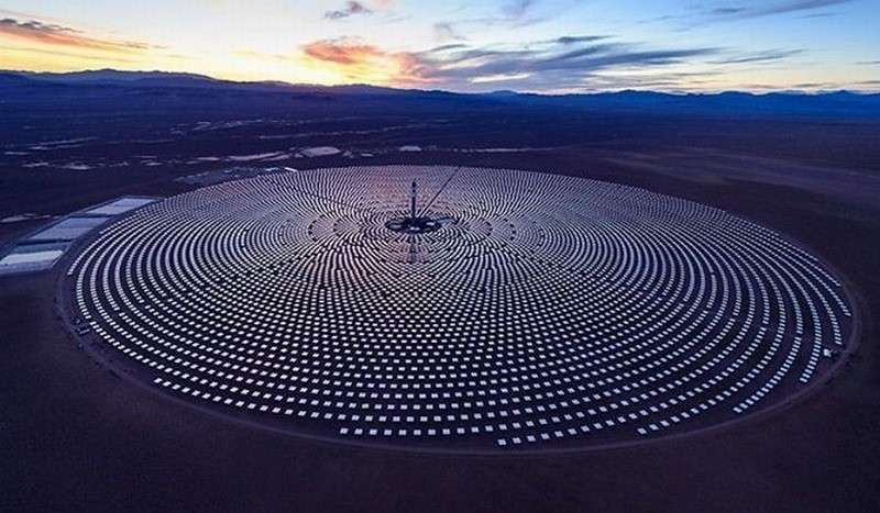 В США обанкротилась огромная солнечная электростанция, проработав 3 года