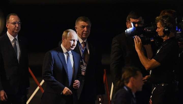 Владимир Путин выступил на встрече лидеров государств БРИКС