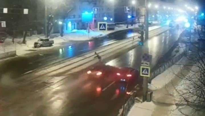В Перми полицейские ищут лихача, сбившего женщину на пешеходном переходе