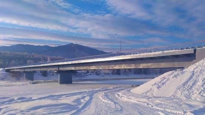 В Республике Алтай введён в эксплуатацию новый мост через реку Катунь