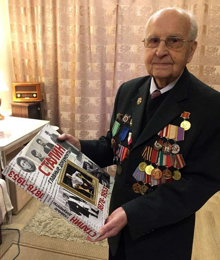 Иван Степанович Мартынушкин был готов по традиции отправиться на памятные торжества в Польшу. Фото: Елена ЧИНКОВА