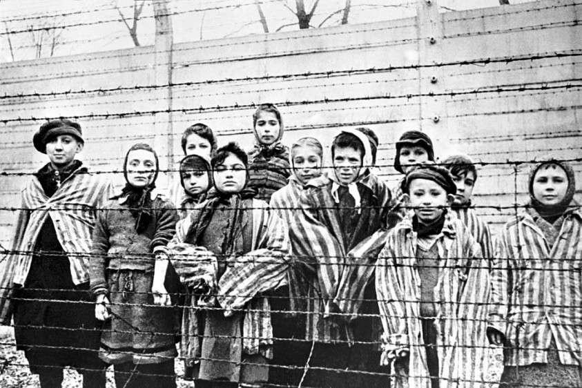 Дети – узники лагеря. Фото: EAST NEWS