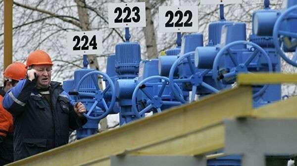 Рабочие на насосной станции трубопровода Дружба в районе села Бобовичи, Белоруссия