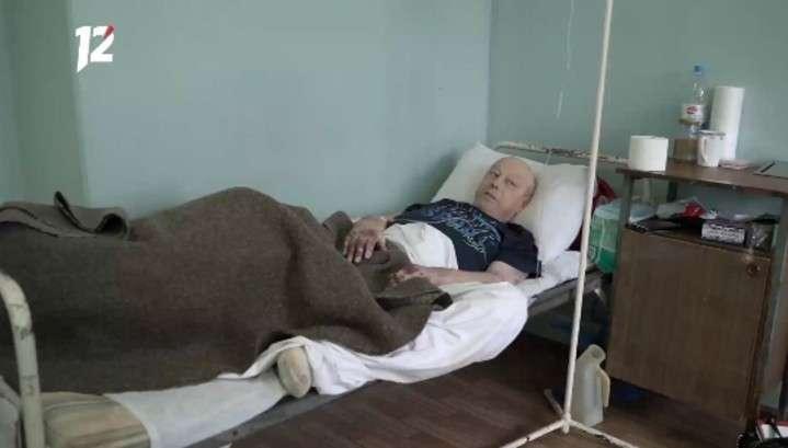 В Омске врачи сутки отказывали в перевязке тяжелобольному пациенту с гниющей ногой