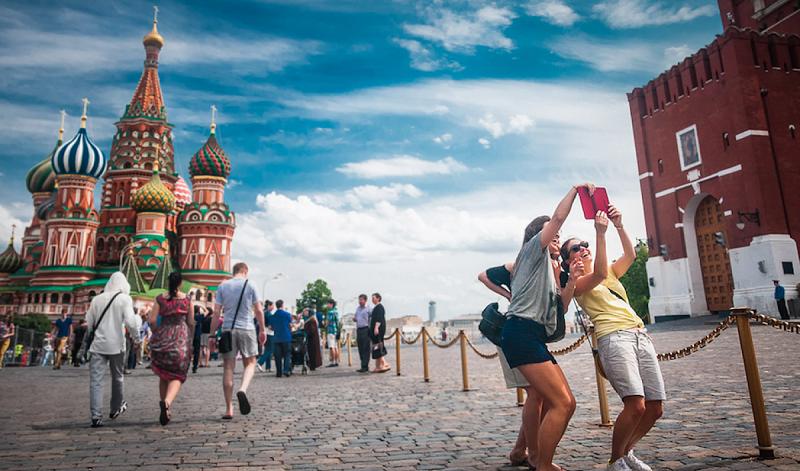Вражеская пропаганда: в России демократии меньше, чем в абсолютной монархии