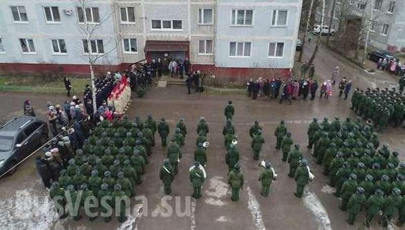 Армия России провела парад для одного ветерана Великой Отечественной (ФОТО, ВИДЕО)
