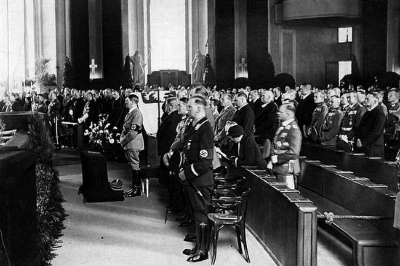 Гитлеровская пенсия, выплачиваемая польским холуям и другим евронацистам