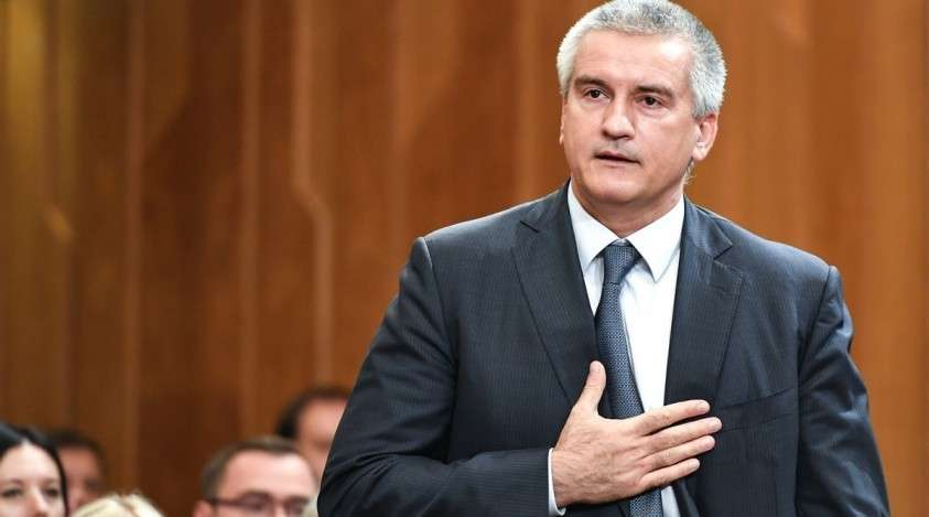 Аксенов: чиновницы из Керчи показали свою глупость, и именно за глупость они будут уволены