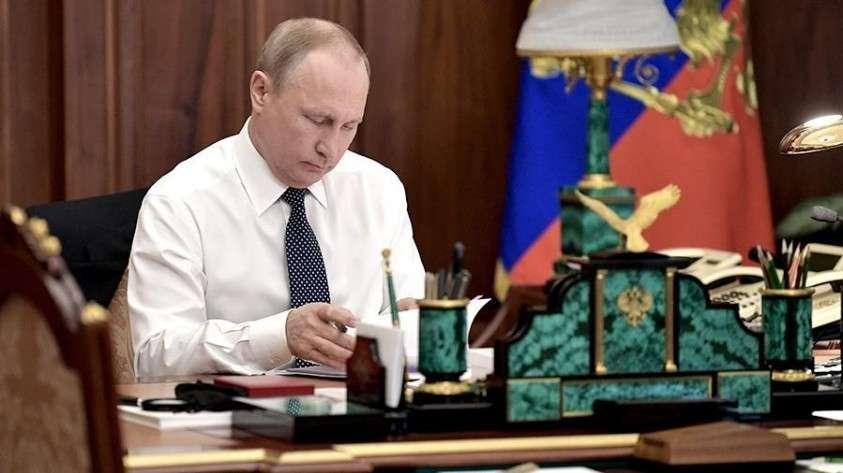 Владимир Путин снял с должностей 4 генералов МВД и МЧС