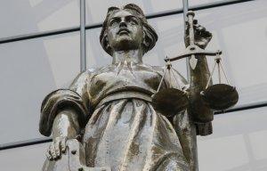 """Верховный суд России признал УНА-УНСО, УПА  и """"Правый сектор"""" экстремистскими"""