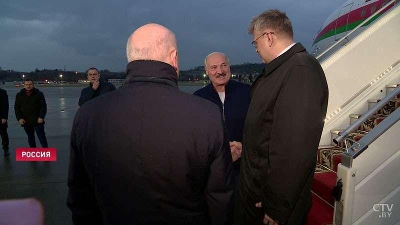 Президент Беларуси Александр Лукашенко прибыл в Сочи для переговоров с Владимиром Путиным