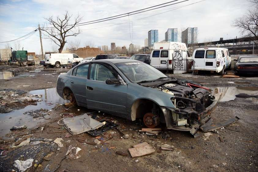 «У нас есть улицы, которые выглядят так, будто их бомбили», и это не Воронеж