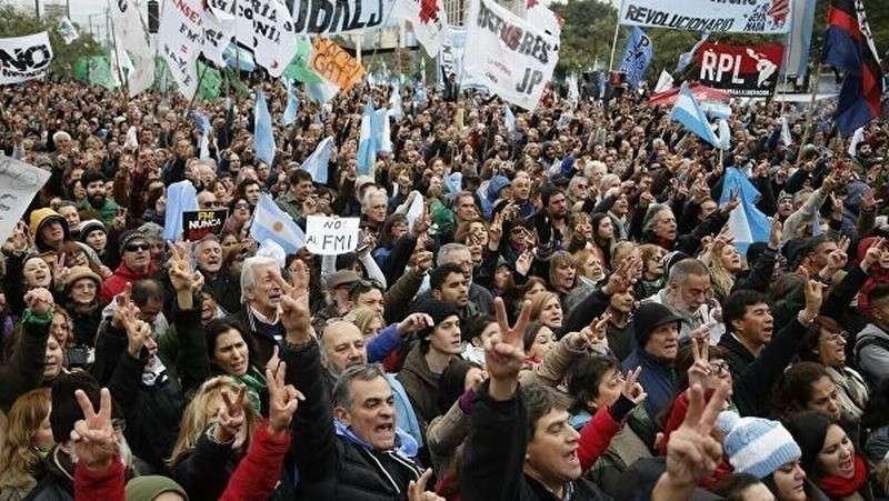 Первая ласточка: Аргентина отказалась платить ростовщикам МВФ по кредитам