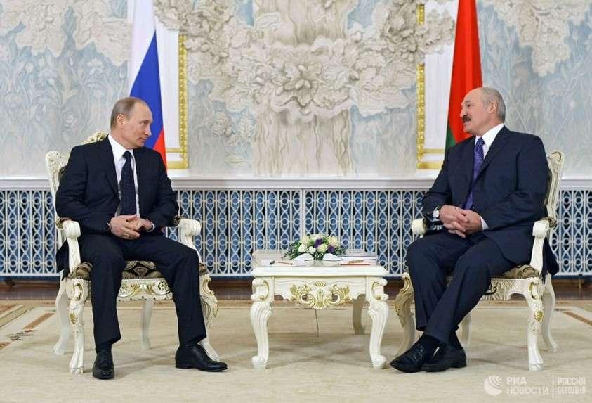 Как «независимая» Прибалтика пытается согреться без России