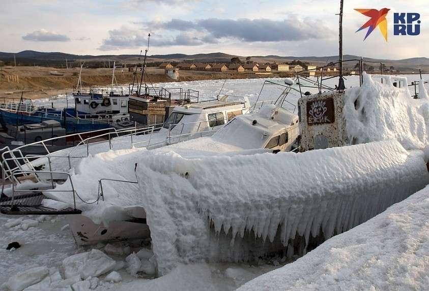 Остатки рыболовного флота брошенные у порта Фото: Юлия ПЫХАЛОВА