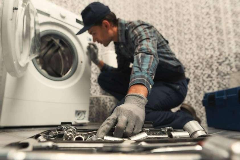 Мастера-домушники. Как нас обманывают на ремонте гаджетов и бытовой техники