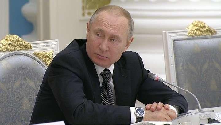 Владимир Путин поддержал предложение провести голосование по изменениям в Конституции 22 апреля