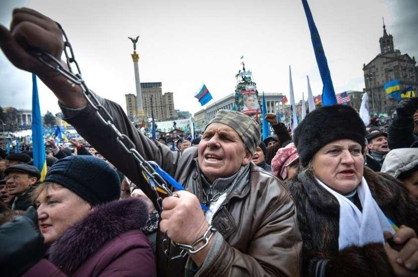 На украинском телеканале «НАШ» взбунтовались: «надоела мова, хотим говорить на русском языке»