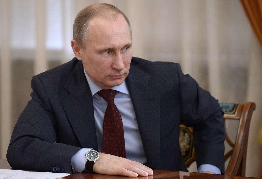 Владимир Путин распорядился передать Украине технику и вооружение частей, не перешедших на сторону РФ