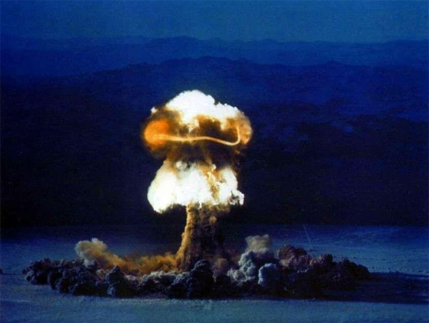 Применение США ядерного оружия уничтожит американцев даже без ответного удара