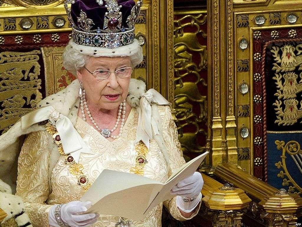Королева Елизавета отречётся от трона в декабре
