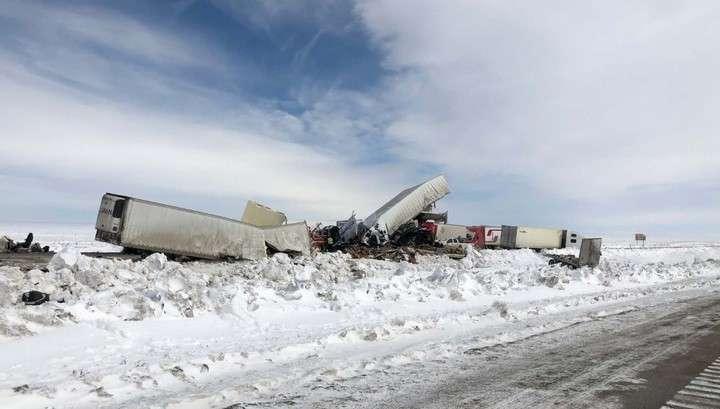В США столкнулись почти 100 машин из-за обильного снегопада