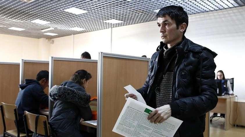 Владимир Путин поручил провести реформу миграционных режимов и института гражданства