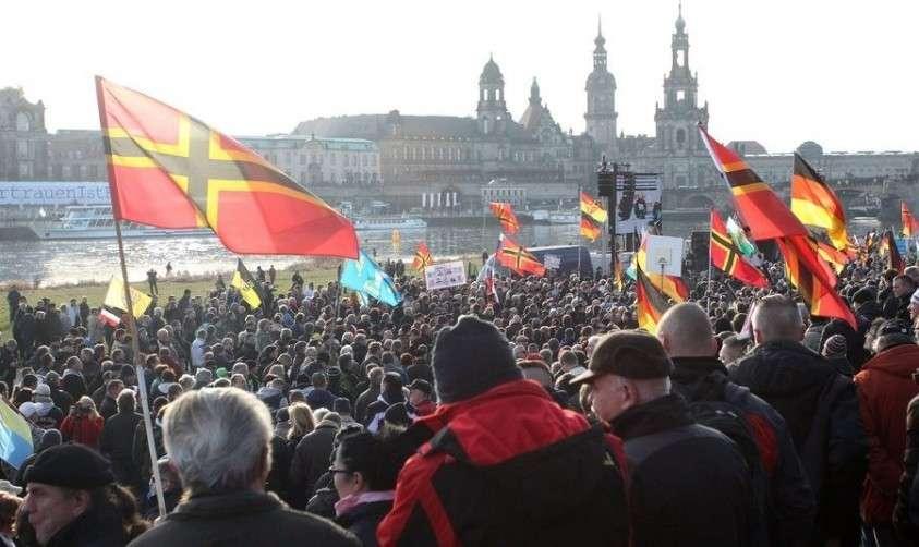 Система партий на Западе движется, как «Титаник», по украинскому пути