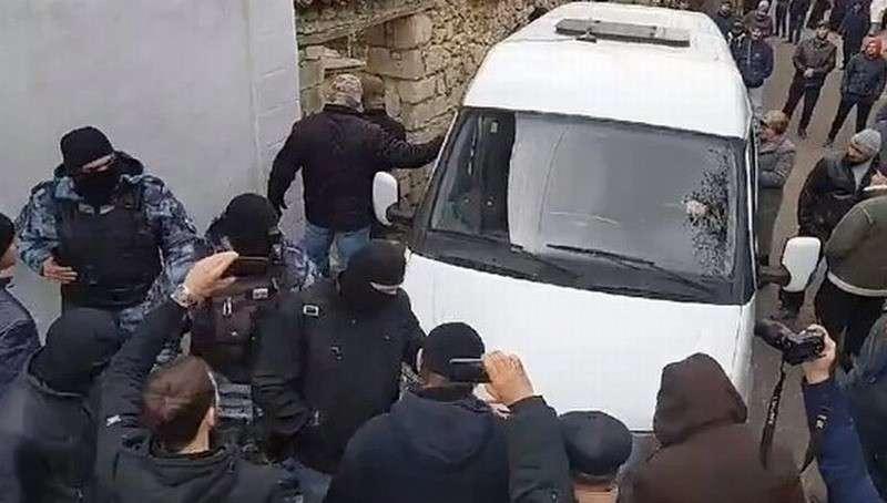 ФСБ задержала в Крыму четверых участников исламской террористической группировки