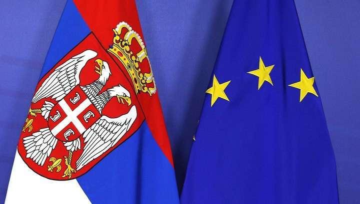 Евробюрократы принуждают Сербию ввести санкции против России