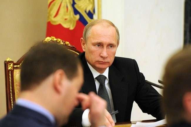 Президент В. Путин провёл совещание с членами Правительства
