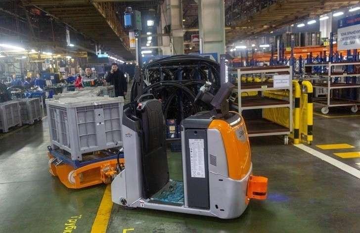 «КамАЗ» начал использовать беспилотные тягачи на своем производстве