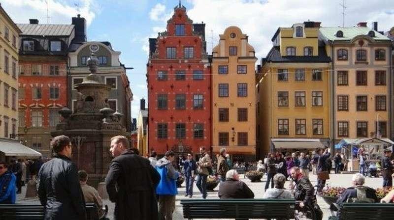 """Швеция отказалась от борьбы с коронавирусом COVID-19: """"Этот вирус людям не угрожает!"""""""