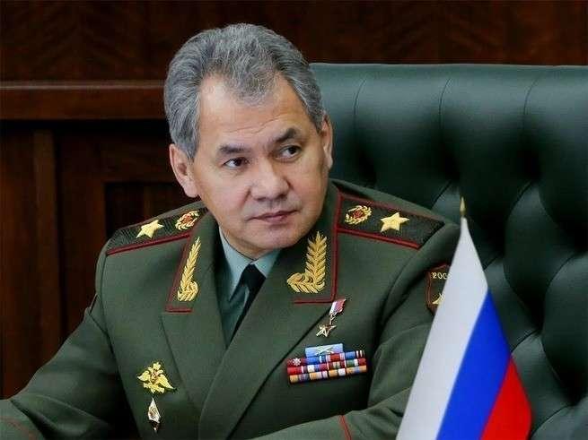 Сергей Шойгу попросил принять закон, позволяющий разобраться с «пятой колонной» в России
