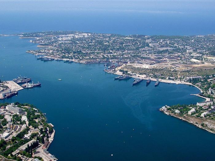 С 1 января 2015 года Крым и Севастополь станут свободной экономической зоной