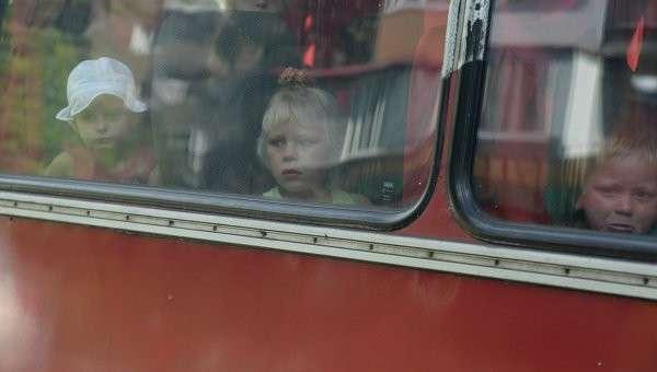 Очередная колонна с беженцами отправлена из Донецка в Россию