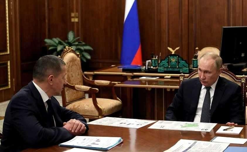 С Заместителем Председателя Правительства – полномочным представителем Президента в ДФО Юрием Трутневым.