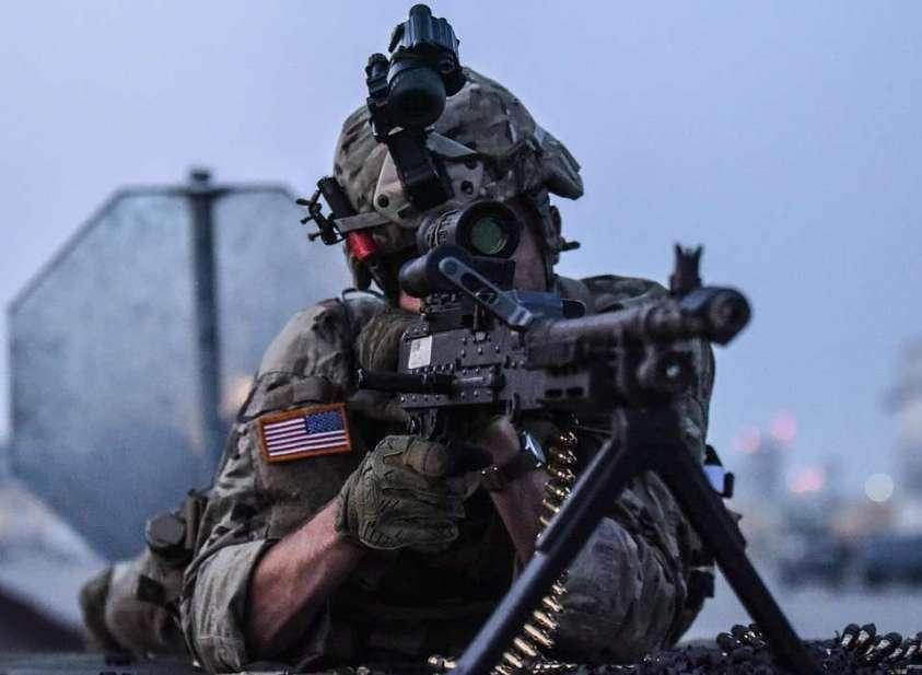 Трамп направил в Нью-Йорк на войну с коронавирусом тысячи неподготовленных военных